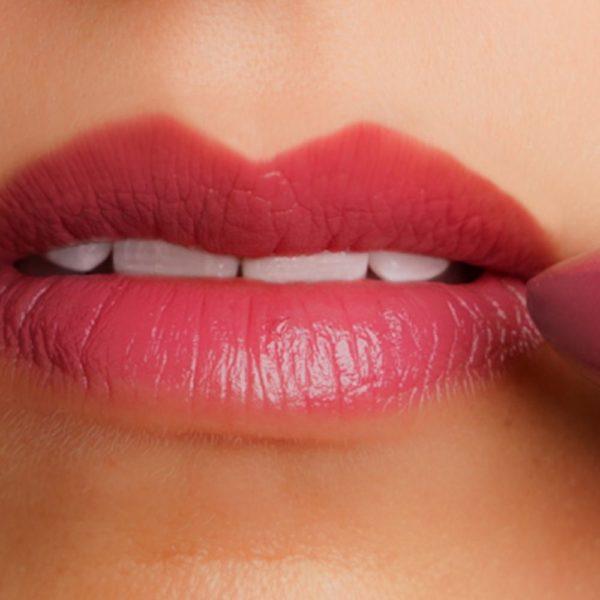 Lip, Cheek, Eye Shadow in Summer Breeze Shown on Lips
